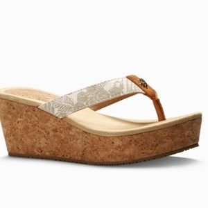 Tommy bahama wedge sandals